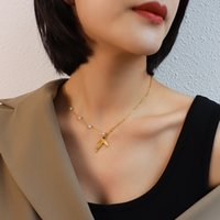 18K Gold Choker P103 Fish Tail Pendant Necklaces Small Pearl For Luxury Women Female Jewelry