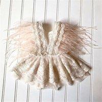 2021 princesa infantil meninas meninas rendas romper 0-24m branco laço backless jumpsuit moda verão sem mangas tassel penas macacões 210304