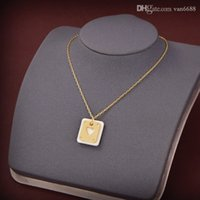 Designer Women Necklace Pendant Silver Gold Love Choker Herme Horse Charm Screw Party Wedding Couple Cuff Gift Fashion Luxury Jewelry A1