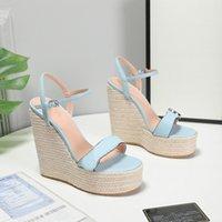 As últimas sandálias da encosta das mulheres sandálias de couro de couro Córdão de cânhamo tecido de cânhamo único design de plataforma impermeável LOGO LOGO35-42
