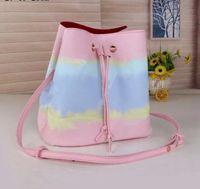 2021 Borsa a secchiello di moda da donna Borsa a tracolla in vera di alta qualità Borsa a tracolla classica Design Crossbody Bags Lady Borse Altri colori