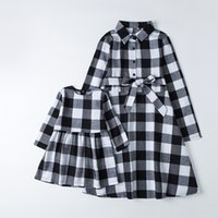 Plaid Mother Daughter Dresses Spring Family Matching Outfits Look Mommy and Me Clothes Mom Baby Girls & Woman Christmas Dress 210317