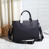 7 stars top quality wholesale designer hand woven crochet genuine leather first class cowhide Briefcase men's handbag shoulder bag crossbody