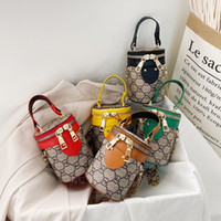 حقيبة الكتف الفتيات سلسلة حقيبة الاطفال حقيبة الغداء مصمم صناديق الفتيات حقيبة يد ميني محفظة أزياء حمل أكياس للأطفال H236HJT