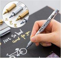 2pcs / lot DIY 금속 방수 영구 페인트 마커 펜 골드 및 실버 드로잉 학생 용품 마커 공예 JLLHQB