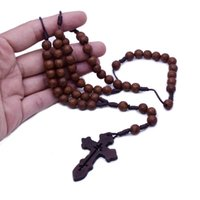 祈りのビーズの模造木のクロスビーズロザリオビーズクロスネックレスカトリック聖人祈り用品ギフト