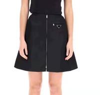 21SS Gonne nuove donne con cerniera di alta qualità Lady Abiti mezzi abiti con triangolo invertito Best Matches Gonne per Molla Autunno Outwears