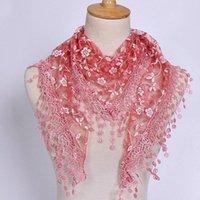 Bufandas 1pc Mujeres de moda Triángulo Tassel Wrap Lady Shawal Lace Sheer Floral Print Bufanda para
