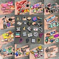 Inteiro 50 pcs amor mistura dos desenhos animados animais pvc sapata encantos DIY pulseiras mochila decoração acessórios fivela clog croc jibz