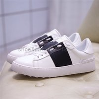 Stud Spikes Casual Chaussures Noir Hommes Femmes Chaussures Chaussures Belle plate-forme Cuir Couleurs Solid Couleurs Scarpes Rockstud Untitled Noir Robe