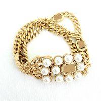 High Quatity Ladies Silver Mens Gold Charm Bracelets Luxurys Designer Italy Brand Copper Pearl Chain Bangle Luxury Jewelry Classic Letters Bracelet