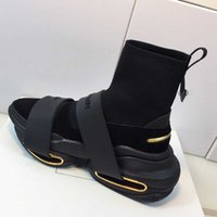 2021 파리 겨울 패션 스타 패션 캐주얼 신발 여성 남성 양말 신발 쌍 비 슬립 솔 35-45 Siez 탑 스니커즈 금속 장식