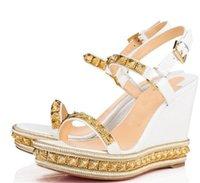 Elegante Stil Damen Roter Bottom Wedge Pyraclou Cataclou Sandalen Super Qualität Nieten Note Leder Knöchelriemen Frauen High Heels EU35-42