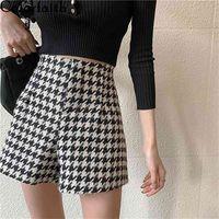 Colorfaith Autumn Winter Women Shorts Wide Leg High Waist Fashionable Woolen Tweed Checkered Lady Trousers P1257 210621