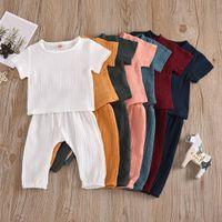 Ins 7 Renkler Bebek Çocuk Erkek Giyim Setleri Suits Organik Keten Pamuk Kısa Kollu Tees Sapanlar Pantolon 2 Adet Yaz Çocuk Kıyafetleri