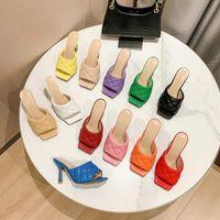 2021 Diseñador clásico Sandalias para mujer Zapatillas de color de caramelo Tacones altos Tacones de goma Sandalia Zapatilla Zapatos de jalea Flip Flops Outdoor Beach Shoe Boots StrelShoes