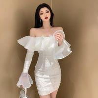 Beiläufige Kleider Mode Sexy Frau Kleid Sommer trägerlosen Rüschen Romantisch Weiß Elegante Skinny Kurzer Vestido Frauen Party DA60LY