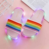 Bambini a LED lampeggiante Rainbow Flip flops a strisce bambino ragazza gelatina pantofole estate bambini ragazze luminose scarpe da pantofola 210903