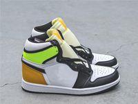 Alto OG 1 Volt Ouro Negro Branco Amarelo Universidade Gold Jumpman Basketball Shoes Mens Esportes Sneakers Runner Sneakers