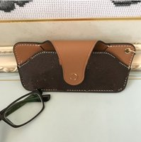 luxury Designer Top quality Card Holder Genuine Womens men Mens Key Ring Credit Coin Mini Glasses Bag Charm Brown Canvas
