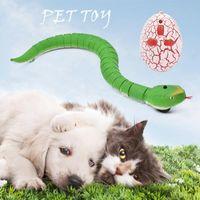 고양이 장난감 개 액세서리 트릭 끔찍한 장난 참신 RC 뱀 적외선 원격 제어 계란 방울뱀 동물 어린이 재미 있은 선물