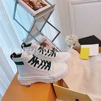 Designer Booties Designer Mulheres Sneaker Boot Plataforma Alta-Top Plataforma Mais Recente Sapatos Casuais Andando Sapatos de Calf Couro Atacado Winter Ballet