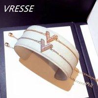 Charme pulseiras românticas cz zircon v carta mulheres deslumbrante ouro prata cor pulseira forma geométrica triângulo triângulo pulseira