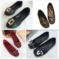 حار بيع 2021 المرأة أحذية واحدة الأزياء الفاخرة جولة رئيس أحذية العلامة التجارية عالية الجودة الأخفاف شقة أحذية عارضة حجم 35 ~ 42 S20669
