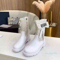 Newest Hot Woens Rhyton Leather Sneaker with Wave Mouth Print Glitter Strawberry Sneakers Fashion Dad Run Luxury Women