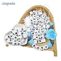 Joepada 100 peças English Alfabeto Silicone Beething Beads BPA grátis para fazer bebê dentição jóias colar bebê teether brinquedo 210311