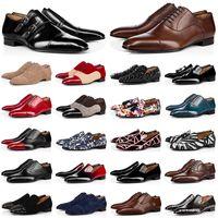 Desconto dos homens de luxo vestido Sapatos Vermelho Bottoms Designer Spikes Floceiros Lofers Sneakers Mens Oxford Derby Sapato De Camurça De Couro Rebites