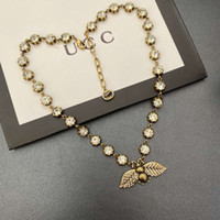 تصميم قلادة قلادة المرأة الجديدة القليل من قلادة صغيرة مع الماس للنساء طوق المرأة، مزاج عصري وعصري قلادة