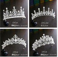 2022 Kristal Headpieces Tiaras Düğün Taçlar Saç Takı Toptan Moda Kız Akşam Balo Parti Elbiseler Aksesuarları