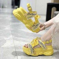 Femmes plate-forme Sandales Chunky Sandales boucle Designers Croîchements Chaussures Femme Fashion Open Toe Gladiateur Sandal Casual Sport Chaussures 8cm 28gt #