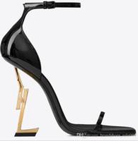 Kutu Klasikleri Kadın Ayakkabı Sandalet Moda Plaj Kalın Alt Elbise Ayakkabı Alfabe Lady Sandalet Deri Yüksek Topuk Ayakkabı Slaytlar