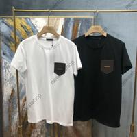 2021 Erkek Yaz Yeni Yüksek Sokak Tee Klasik Basit T-shirt Katı Renk Deri Aplike Altın Mektup Tasarımcı T Shirt Pamuk Rahat Tshirt