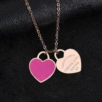 Stock de stock de diseño caliente Nueva marca corazón amor collar para mujeres Accesorios de acero inoxidable Zircon verde rosa corazón collar para mujer joyería