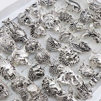 Wholesale 20pcs Lots Mix Snake Owl Dragon Wolf Elephant Tiger Etc Animal Style Antique Vintage Jewelry Rings for Men Women 211012