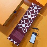새로운 럭셔리 디자이너 디자인 여자의 스카프, 패션 편지 핸드백 스카프, 넥타이, 헤어 번들, 실크 재료 랩 크기 : 8 * 120