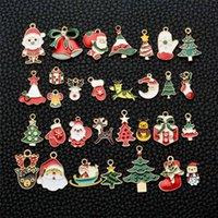 31 adet / takım Emaye Noel Dekorasyon Kolye Charm Ağacı Çan Kardan Adam DIY Kolye Bilezik Küpe Anahtar Zincirleri Takı