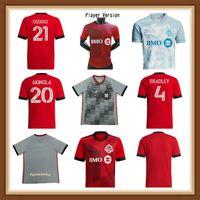 Versión de jugadores de fans Top 2021 2022 Calidad Toronto FC Soccer Jersey 21 22 # 10 Pozuelo Osorio Red Uniform Mens # 17 Altidore Morrow Bradley Football Shirt