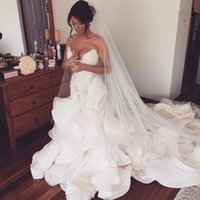 2020 New Sexy Ruffles Mermaid Wedding Dresses Lace Appliques Ruched Long Bridal Gowns Plus Size Sweetheart Wedding Gowns Robe De