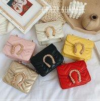Diseñador Niños Handbag Girls Diamante Cadena de celosía One-Shoulder Bags Luxury Children Hebilla Messengle Bag A2003