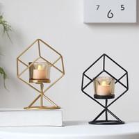 Accesorios para la decoración del hogar Nordic Wind Geométrico Geométrico Metal Candlestick Ornamentos Artesanía Metal Tenedor de vela Decoración de escritorio