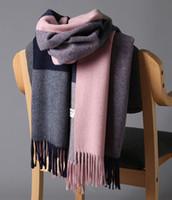 Nuevos estilos con regalo de caja de invierno lujo 100% lana de lana bufanda de cachemira hombres y mujeres diseñador clásico grande a cuadros bufandas pashmina infinito bufandas