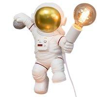 Lâmpada de parede Creative Astronaut Sconce Plug PostModern Designer Carregando Armazenamento Desktop Ornaments Boy