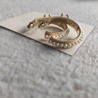 Nouveau Matel Hoop Boucle d'oreille Accessoires avec Boucle d'oreille rétro de la perle C avec carte de papier
