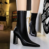 2022 Luxury Winter Women Red Bottom Boots Marchacroche Ankle Boot Reds Soles Lady Booties Wedding Party Dress EU34-40