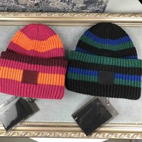 Fashion Knitted Hat Striped Knit Lovers Cap Patchwork Unisex Design Warm Bonnet Sports Caps Knitting 2 Color Top Quality