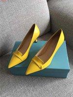 Nuova primavera iniziale I nuovi sandali femminili perfetti estremi, scarpe da vacchetta, sandali in pelle con grandi suoli dimensioni 35-40